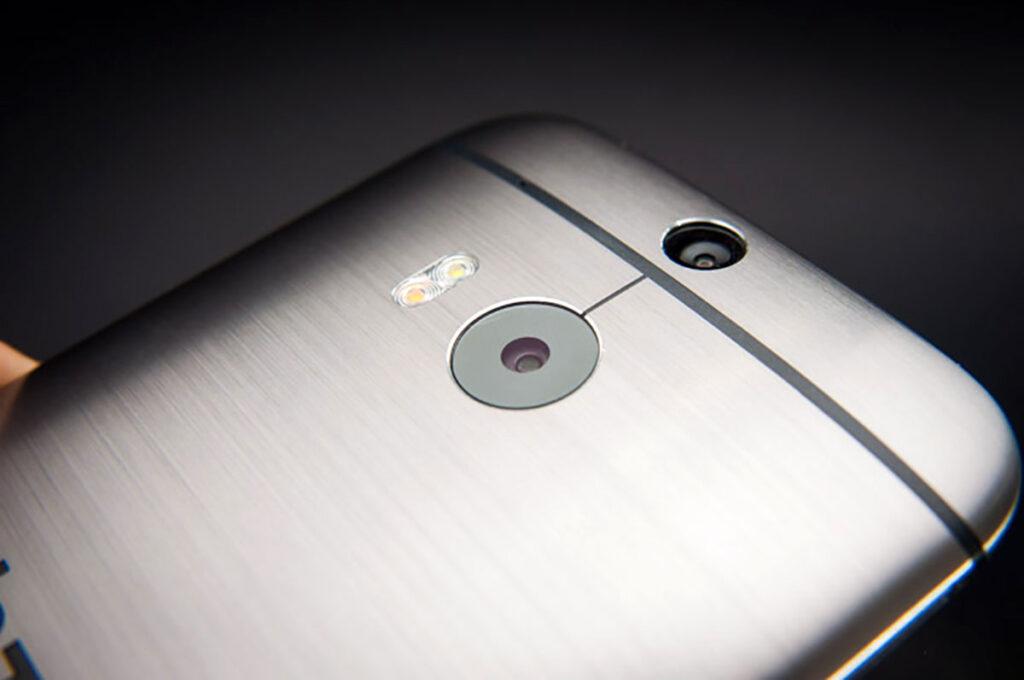 دوربین HTC One M8