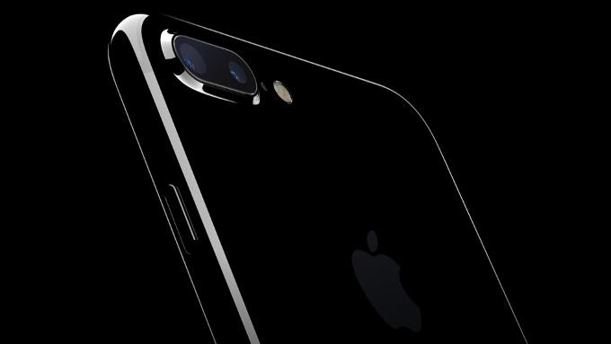 محصول سال آینده اپل آیفون ۸ نام خواهد داشت