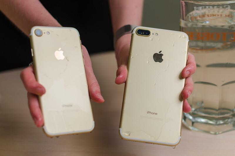 مقایسه بلندگوهای اپل آیفون ۷ و آیفون ۷ پلاس