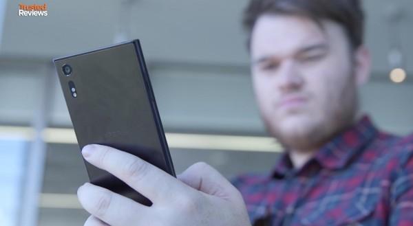سونی اکسپریا ایکس زد (Xperia XZ) از جایگاه هیبریدی برای مموری کارت استفاده می کند