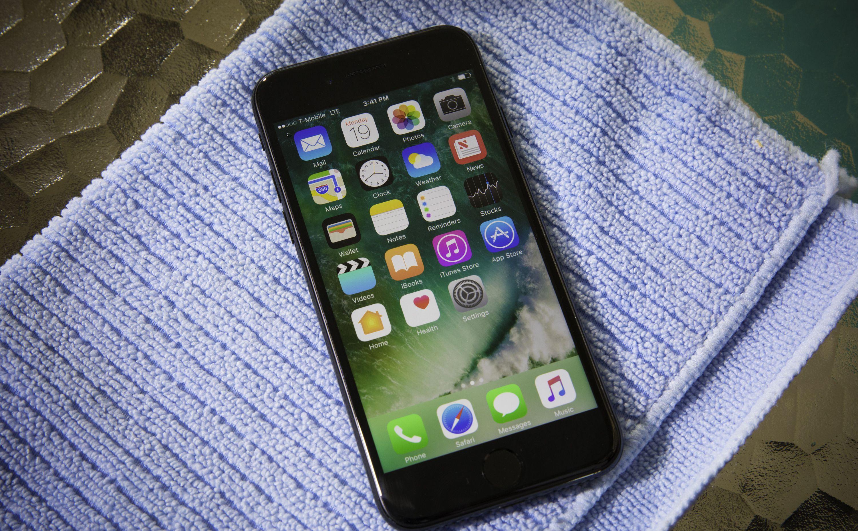 iphone-7-pool-tests-water-splash-0122