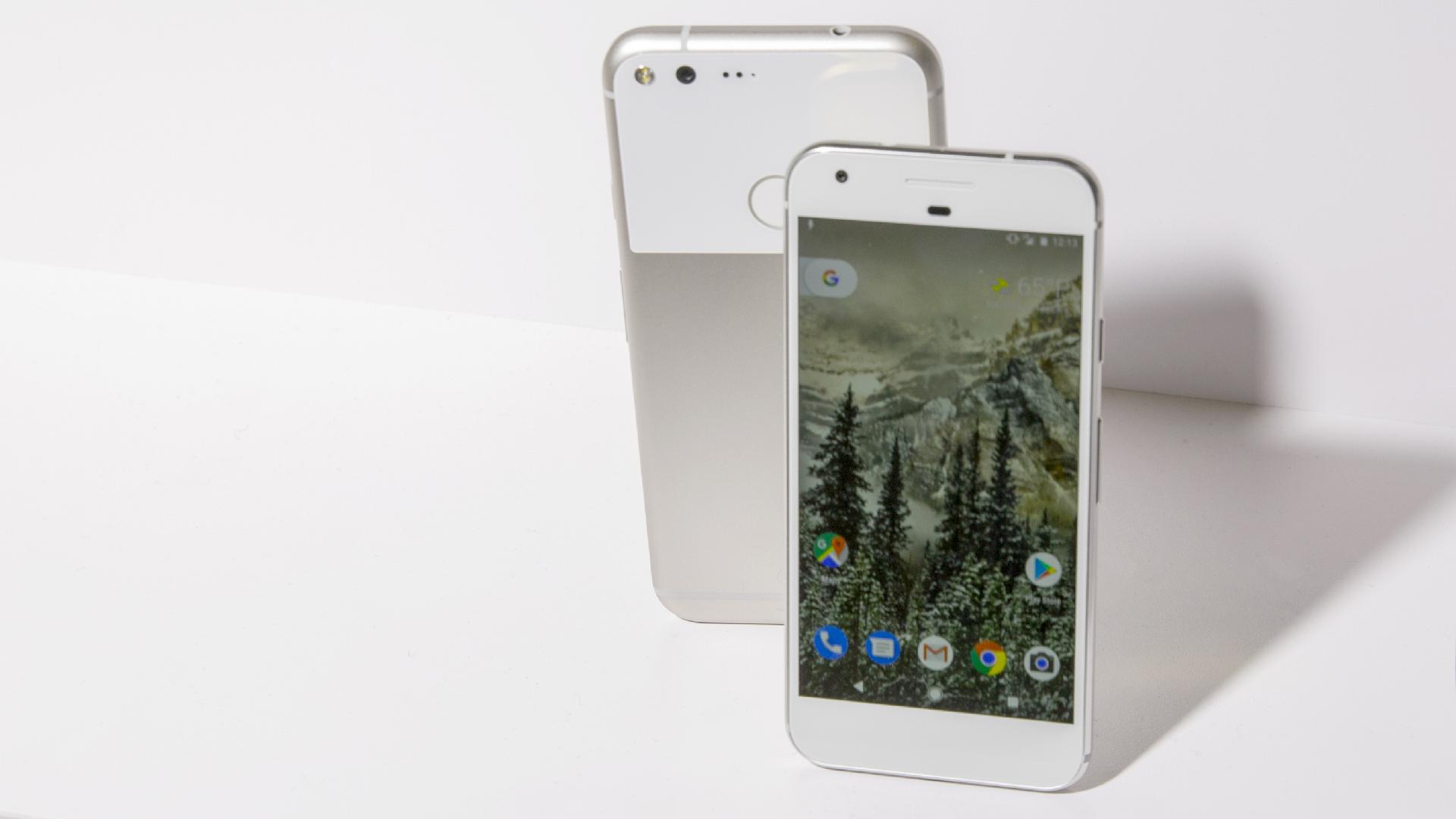 هی گوگل، پیکسل هم قیمت با آیفون است اما چرا پشتیبانی ۴ ساله نرمافزاری ندارد؟