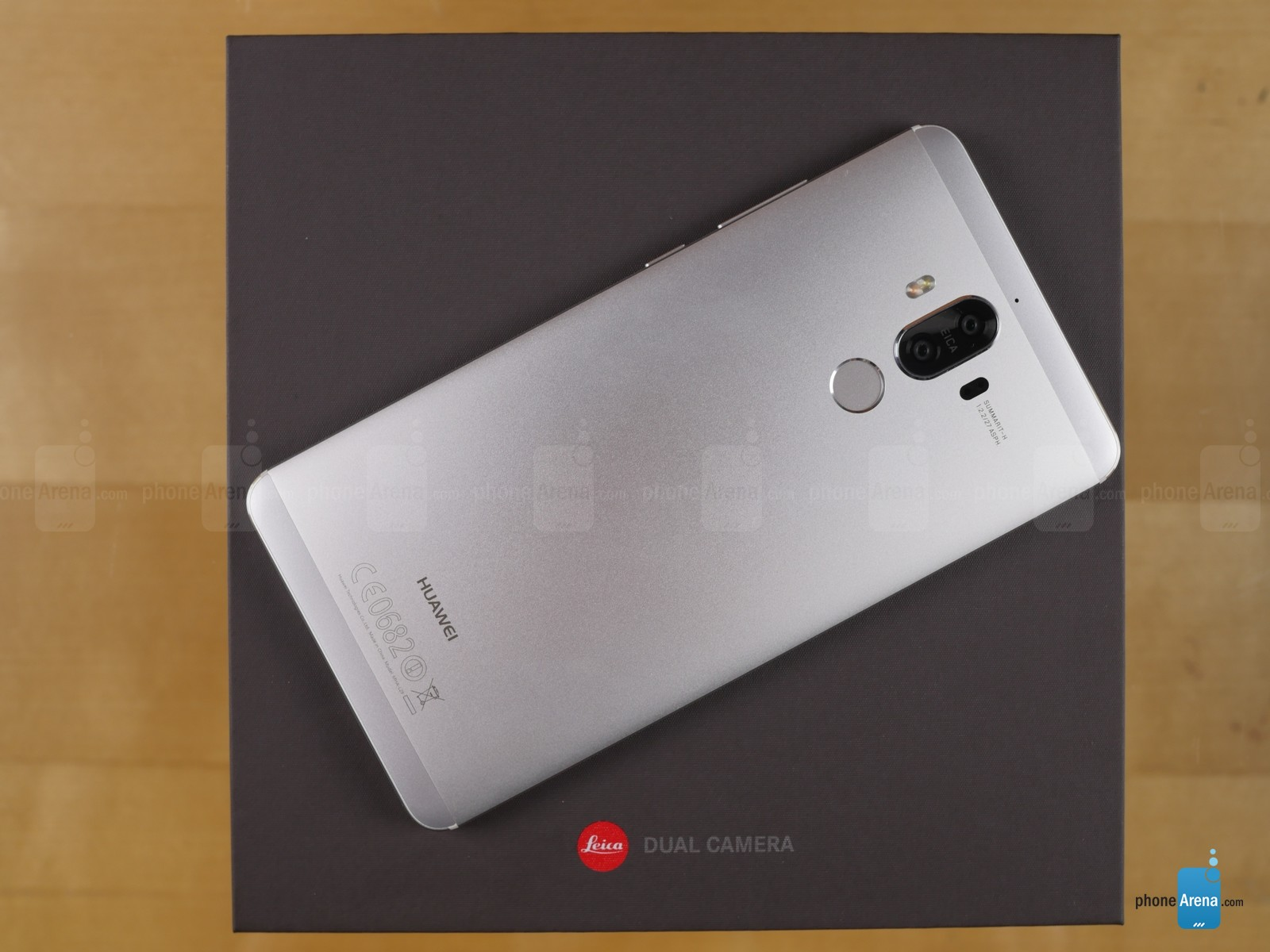 جعبه گشایی هواوی میت ۹ (Huawei Mate 9)