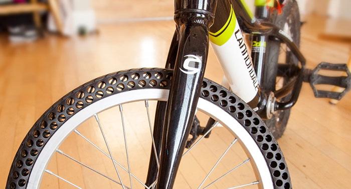 مطلب ساعت ۲۴ : یک راهحل قطعی برای هرگز پنچرنشدن لاستیکهای دوچرخه