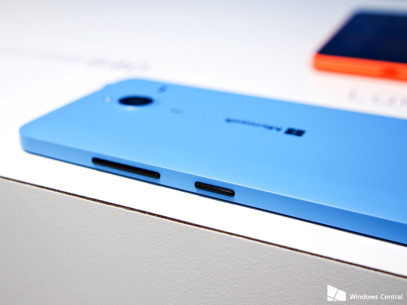 lumia-640-xl-cyan-buttons