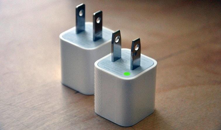 ۹۹ درصد شارژرهای تقلبی اپل در آزمایش ایمنی سنجی مردود شدهاند