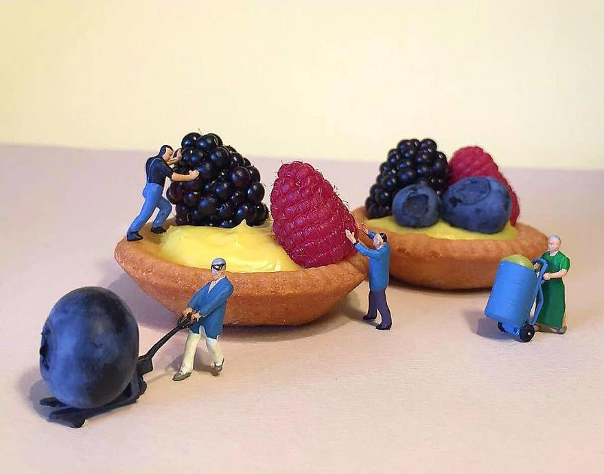ad-italian-pastry-chef-creates-miniature-worlds-with-desserts-14