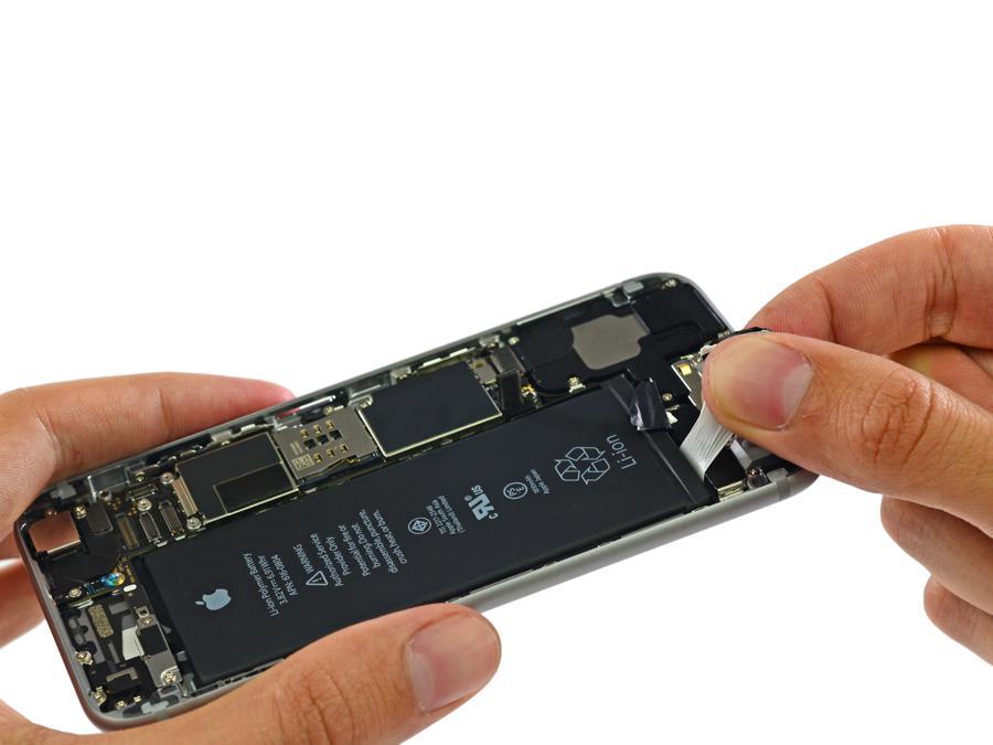 اپل صاحب نظران را برای رفع مشکل باتری محصولات خود به همکاری فراخواند