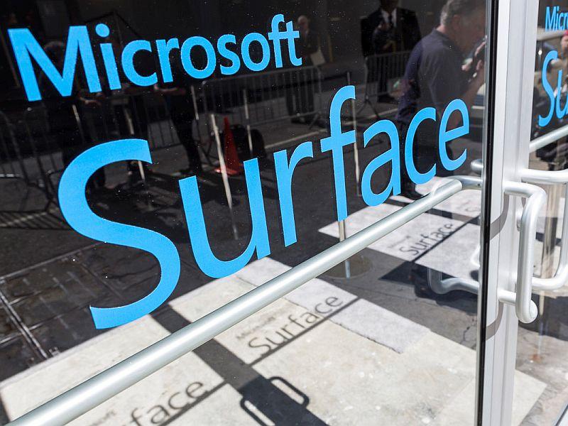 آغاز ساخت سرفیسفون در چین!؟ مایکروسافت چه کاسهای زیر نیمکاسه دارد؟