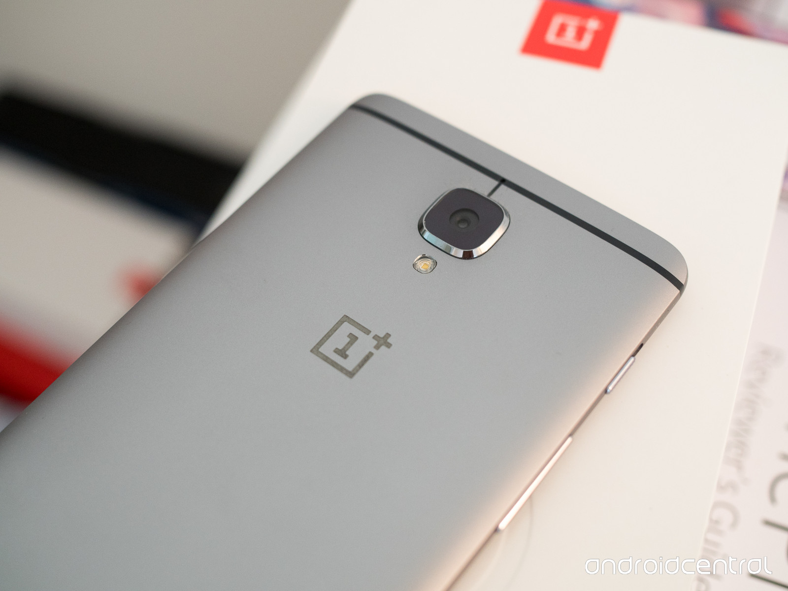 oneplus-3-back-top-logo