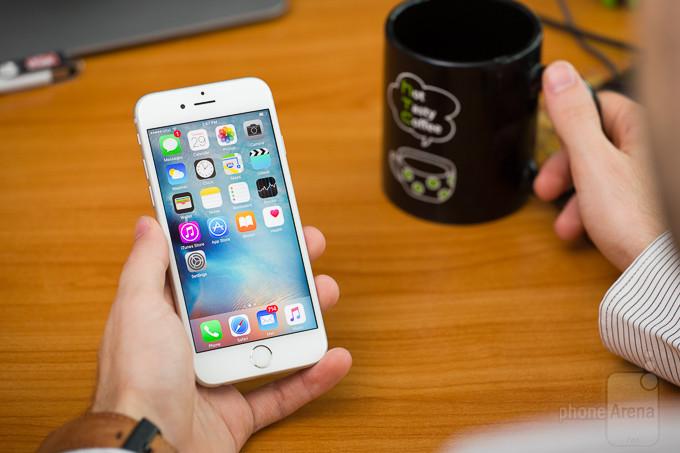 برای اولین بار در پنج سال اخیر، آیفون در صدر پر فروشترین گوشی در کشور چین قرار ندارد!