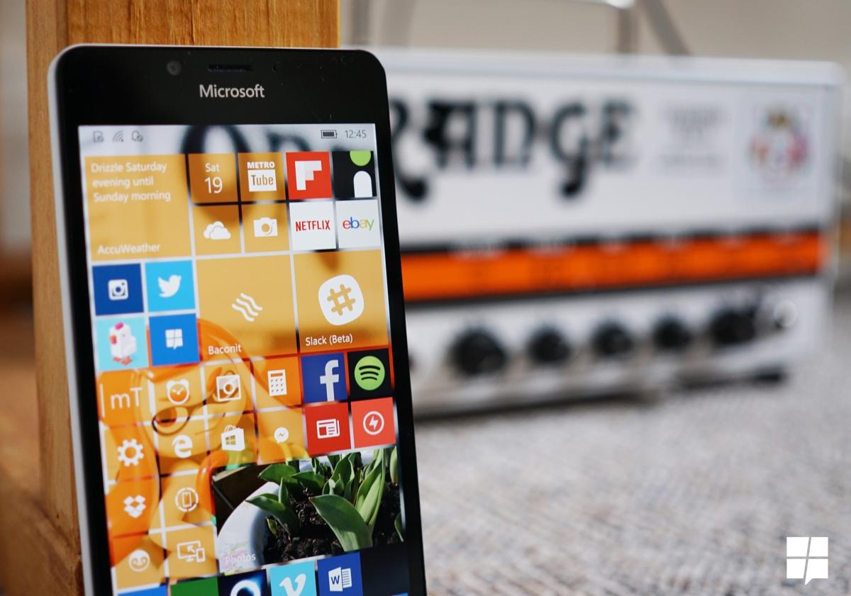 تحویل سال نوی میلادی و تحولاتی که در ویندوز ۱۰ موبایل رخ میدهد