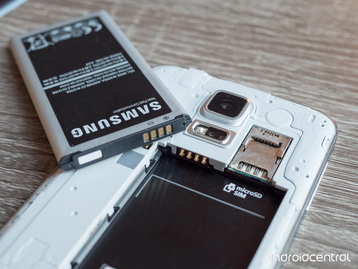 سامسونگ آزمایشهای هشت گانه روی باتری گوشیهای خود انجام میدهد