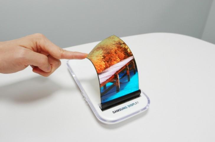 معامله ۴٫۳ میلیارد دلاری اپل با سامسونگ برای تامین پنل OLED