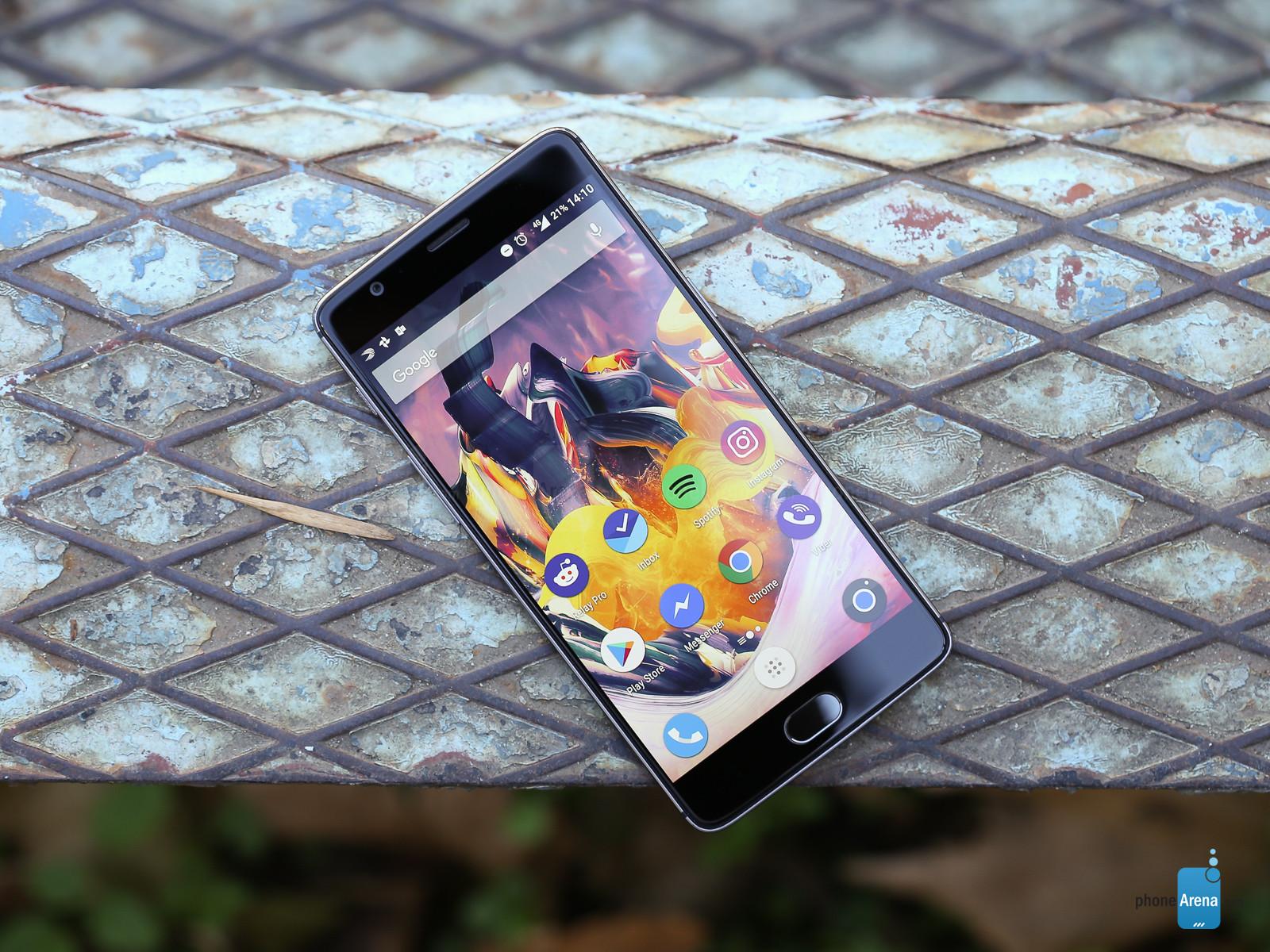 وان پلاس نیز دستیار هوشمند گوگل را برای تلفن هایش انتخاب می کند