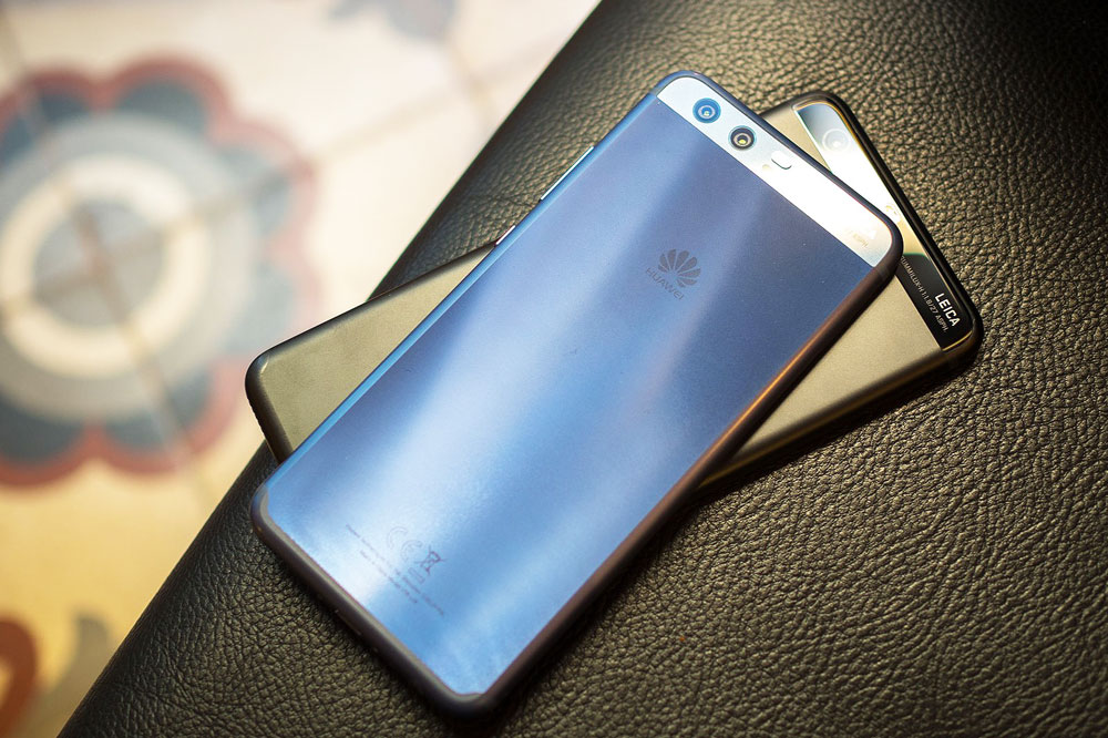 تماشا کنید: آنباکس (جعبه گشایی) هواوی پی ۱۰ (Huawei P10)