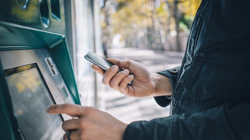 در آینده نزدیک با گوشی هوشمند خود از عابر بانک پول بگیرید!