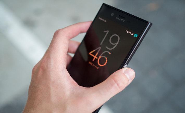 اروپاییها از هفته دیگر میتوانند Sony Xperia XZ Premium را پیشخرید کنند و یک هدفون هدیه بگیرند