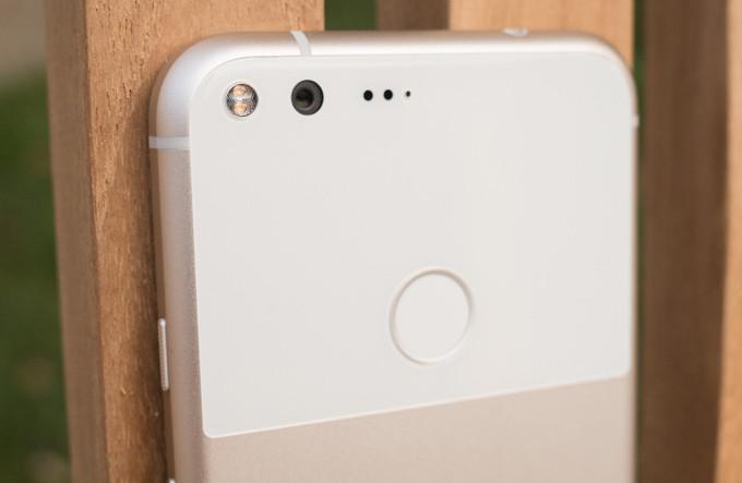 سنسور اثرانگشت تعداد زیادی از گوشیهای نکسوس و پیکسل پس از دریافت آپدیت اندروید ۷٫۱٫۲ از کار افتاد