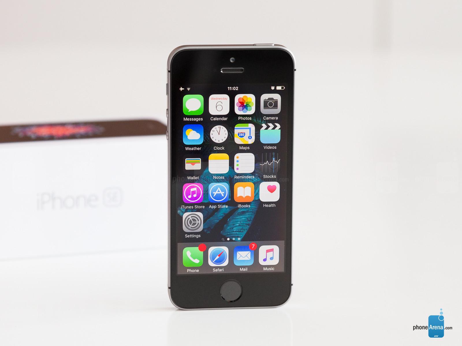 شایعه: جانشین IPhone SE در اواخر آگوست رونمایی میشود