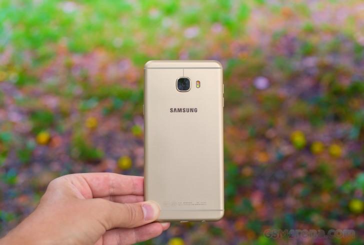 سامسونگ گلکسی سی۷ ۲۰۱۷ (Galaxy C7 2017) شاید از ویژگی دوربین دوتایی برخوردار باشد