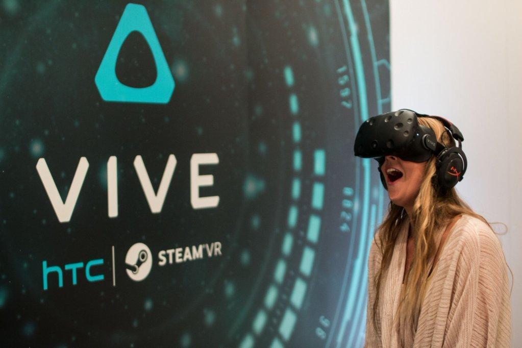 کمپانی HTC از هدست واقعیت مجازی مستقل از PC خود پرده برداشت