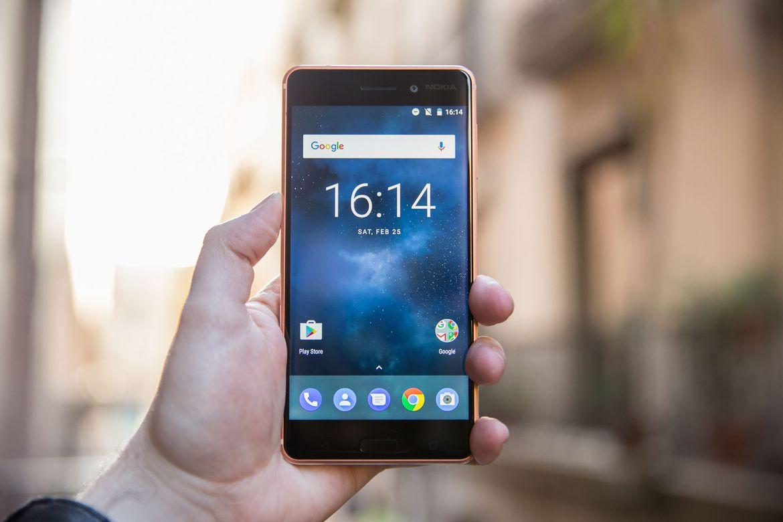 برای باری دیگر، نوکیا ۸ (Nokia 8) در لباس مسی رنگ رویت شد