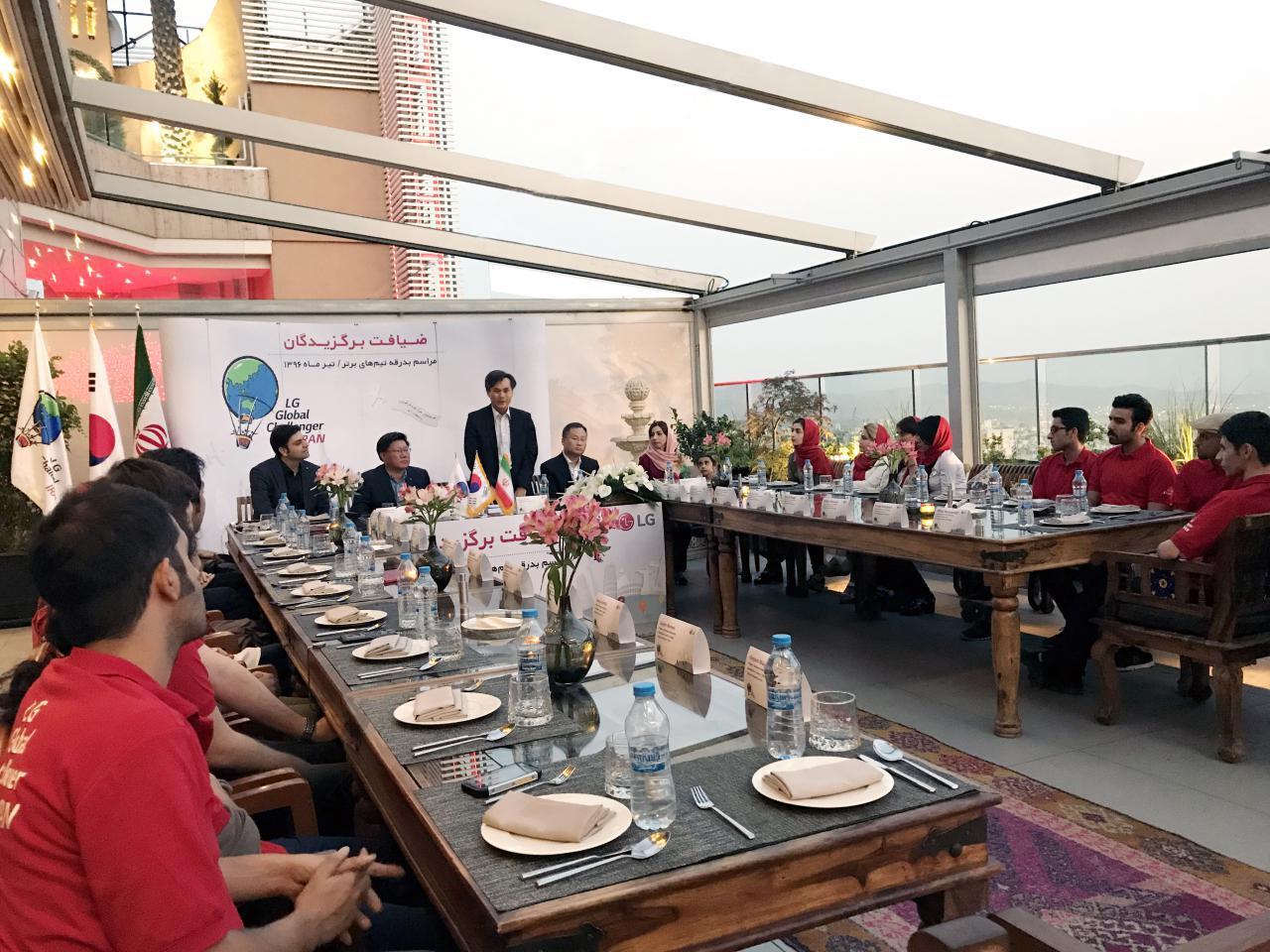 ضیافت LG Global Challenger ؛ تیمهای برتر سفر تحقیقاتی الجی قبل از عازم شدن با سفیر کرهجنوبی دیدار کردند