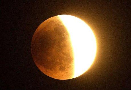 ماه گرفتگی ۱۶ مرداد را از دست ندهید + جزییات
