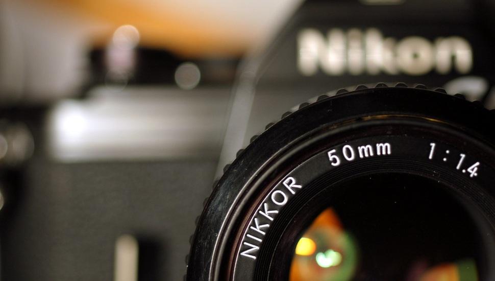 نیکون تایید کرد که به صورت جدی در حال کار بر روی دوربینی بدون آینه است