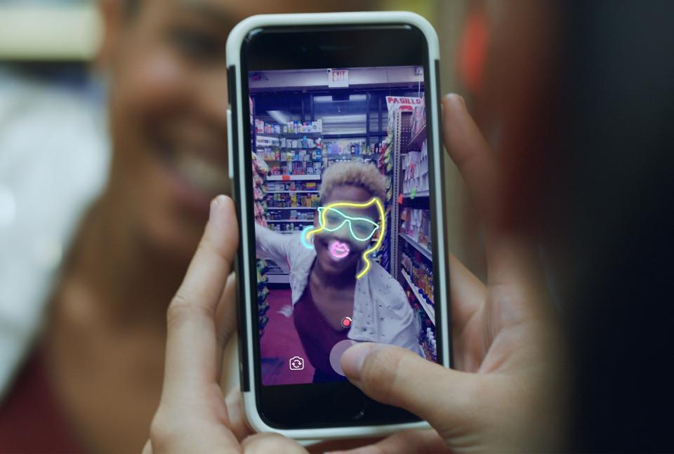 برنامه دوربین فیسبوک با سه قابلیت جدید بروزرسانی شد