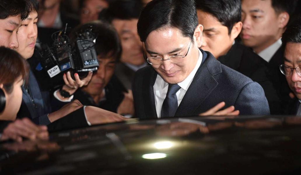 نائب رئیس سامسونگ به ۱۲ سال زندان محکوم شد