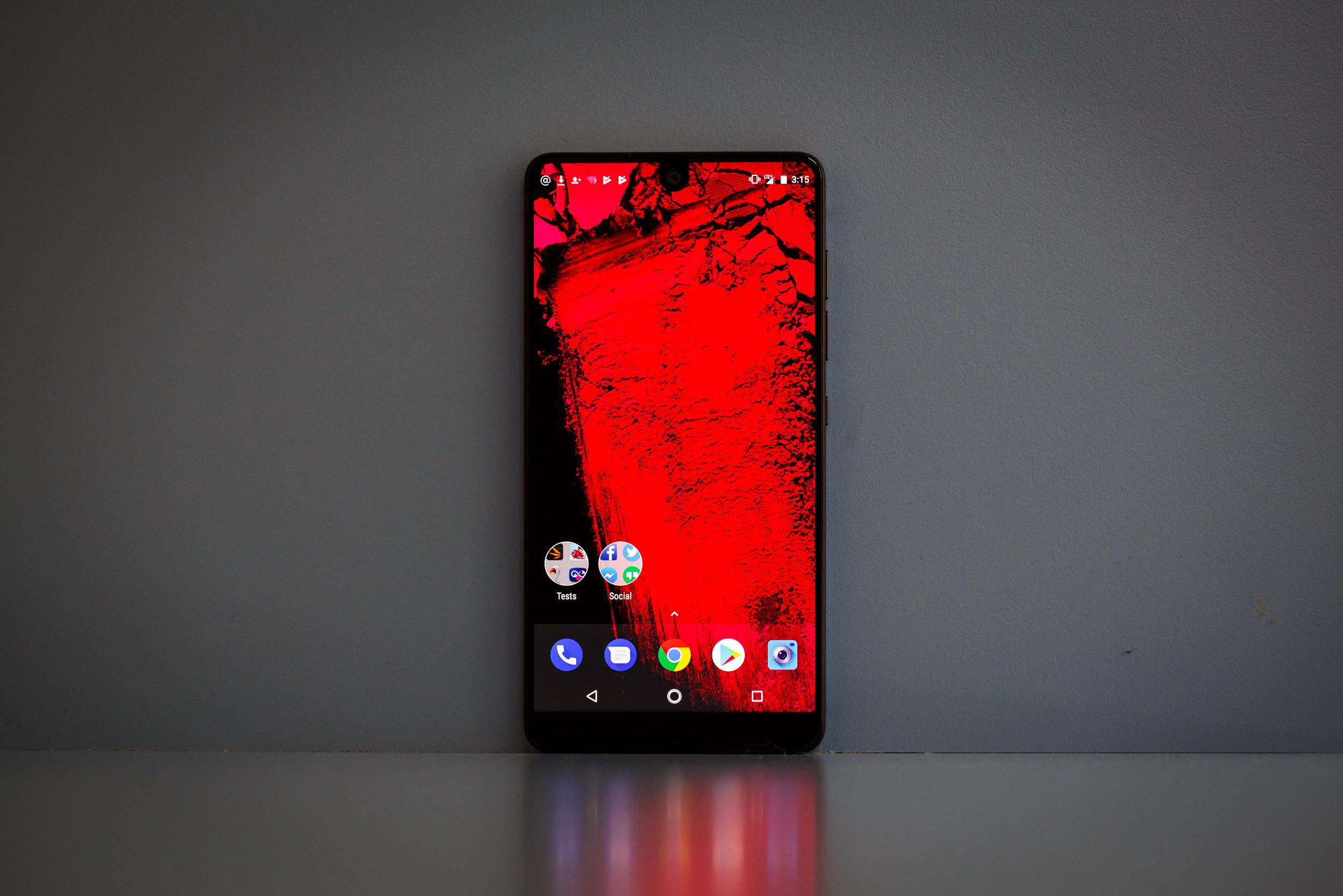 سرانجام فروش اسنشال فون (Essential Phone) آغاز شد