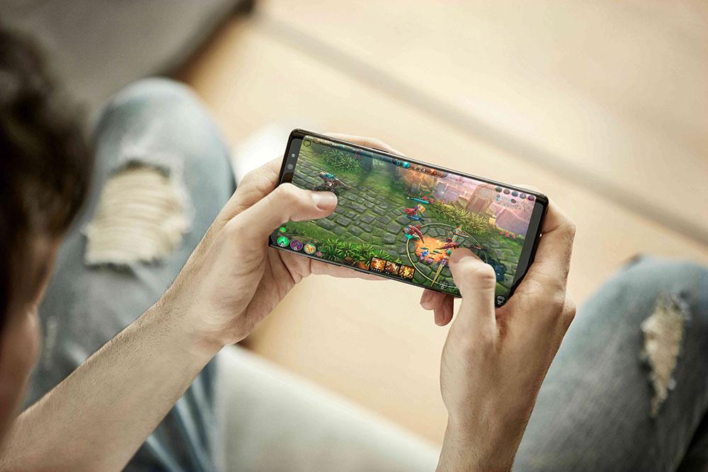 نمایشگر گلکسی نوت 8 بهترین نمایشگر موبایل از نگاه Displaymate با امتیاز A+