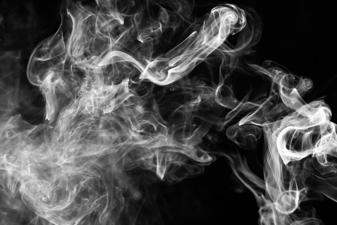 دود سیگار باعث افزایش احتمال سرطان میشود