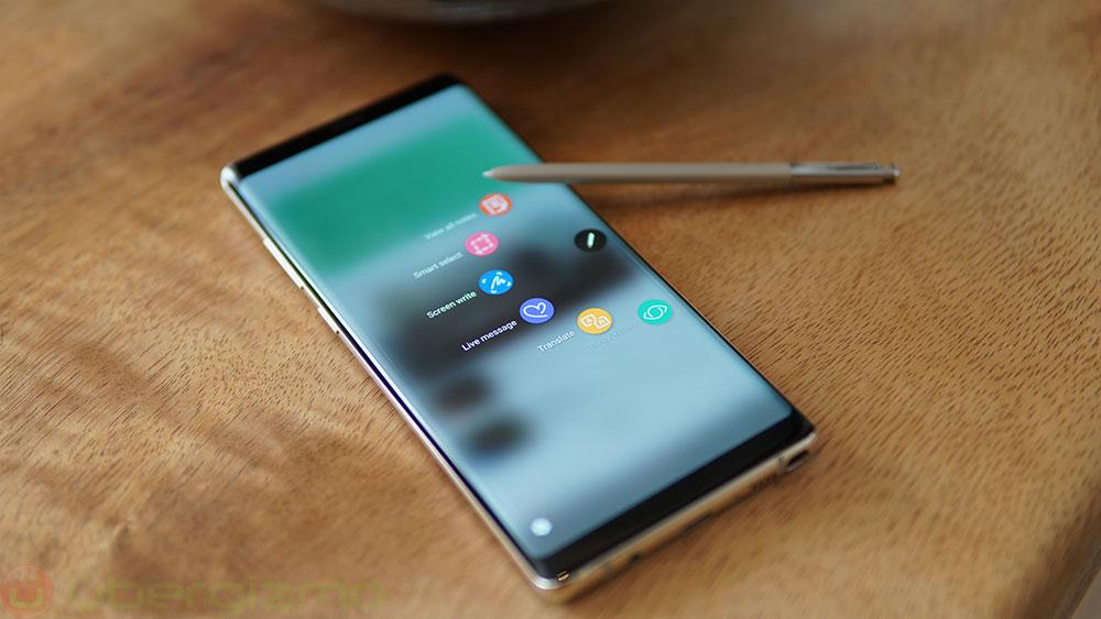 مدیر عامل سامسونگ خبر از عرضه گوشی هوشمندی انعطافپذیر در سال 2018 میدهد