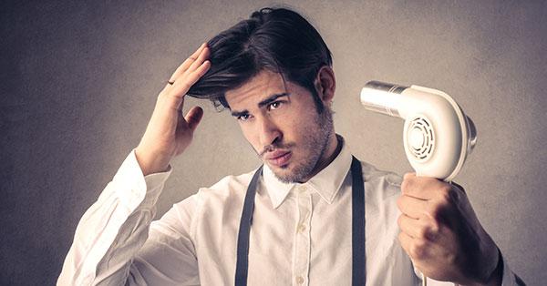 چه نکاتی را باید رعایت کنیم تا موهای زیبا و پرپشتی داشته باشیم؟