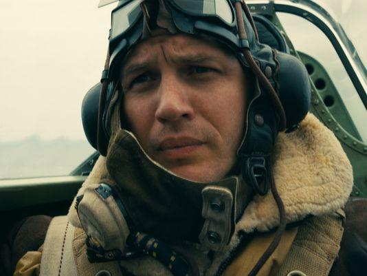 تام هاردی در نقش خلبان هواپیمای جنگی