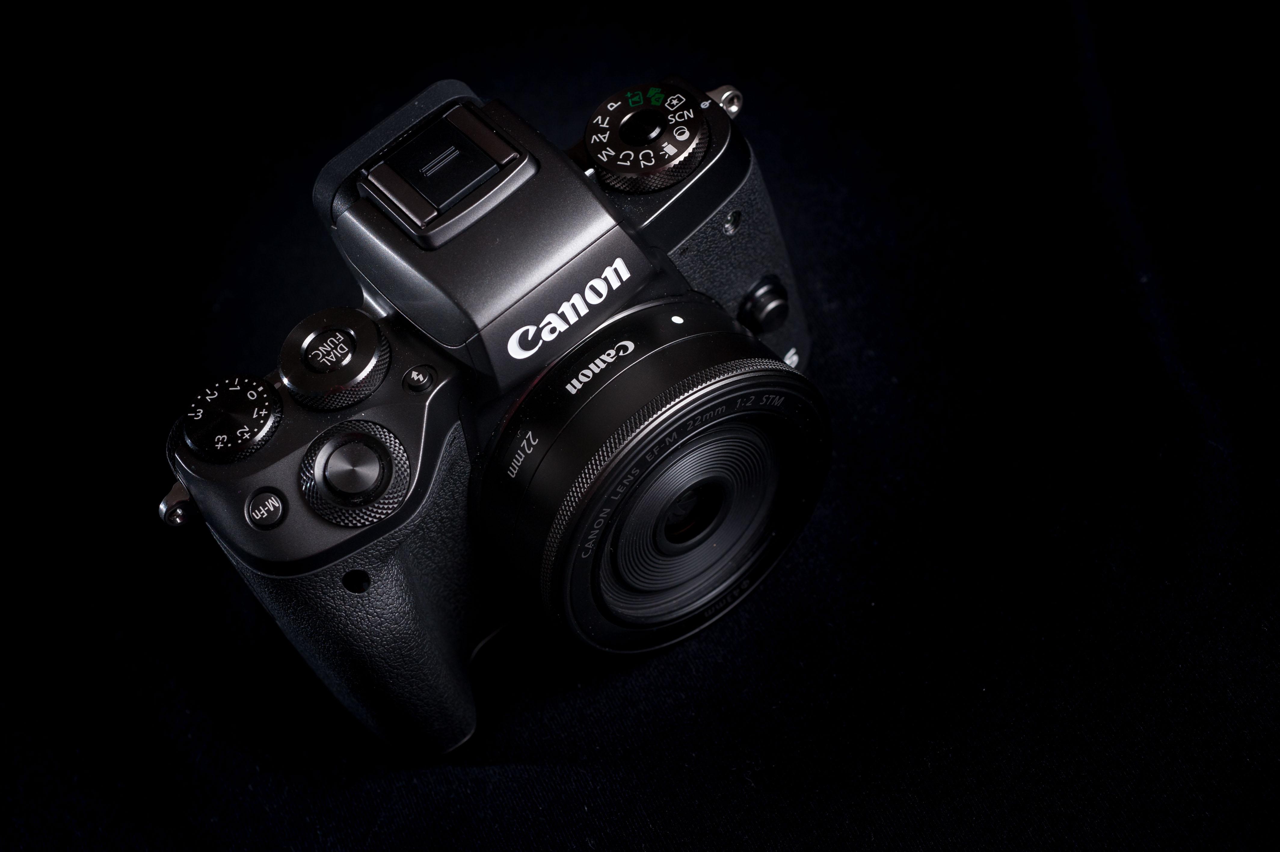 کانن در حال کار بر روی بیش از یک دوربین فول فریم بدون آینه میباشد