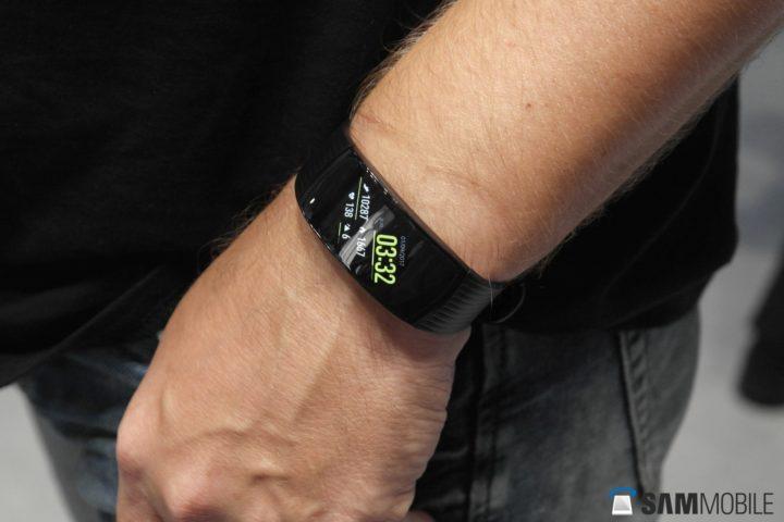 سامسونگ Gear Fit2 Pro ،Gear IconX و Gear S3 هم اکنون با سری Galaxy J سازگار میباشند