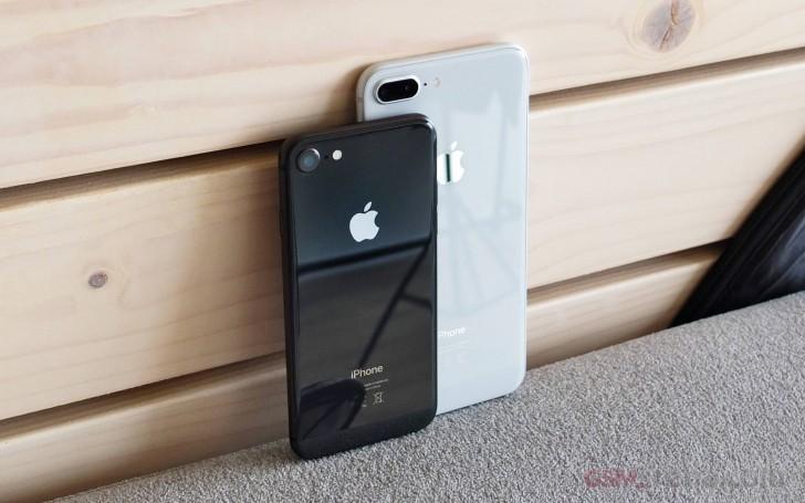 اپل تولید آیفون 8 را بدلیل کمبود درخواست برای این گوشی کاهش میدهد