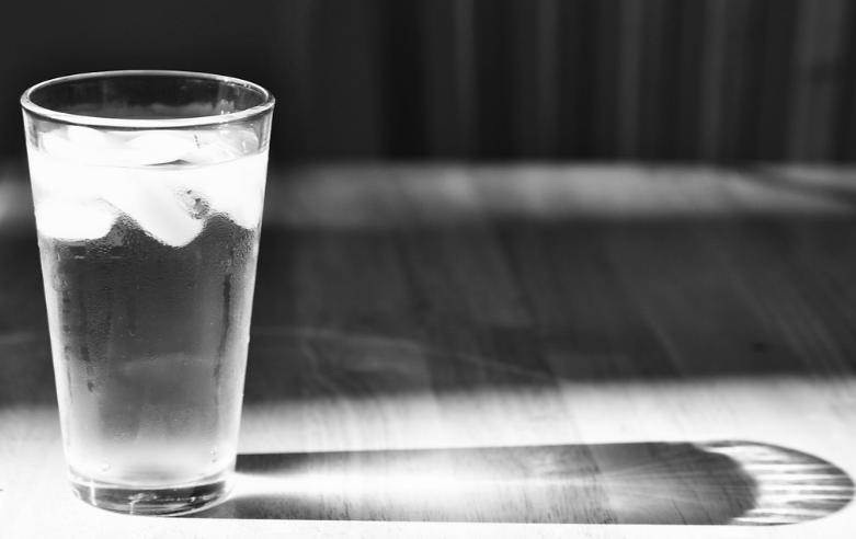 همه چیزهایی که باید در مورد کاهش وزن از طریق آب بدانید
