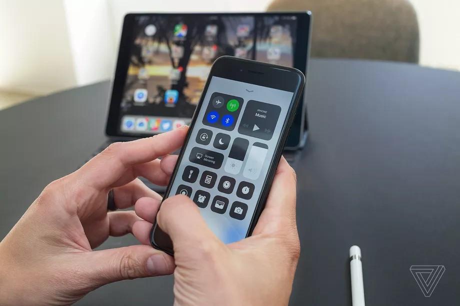 اپل iOS 11.1.1 را منتشر کرد؛ رفع باگ عجیب auto-correct کیبورد