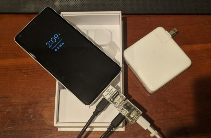 گوگل پیکسل 2 ایکسال (Pixel 2 Xl) با وجود عرضه با یک شارژر 18 وات ، سرعت شارژی 10.5 واتی دارد