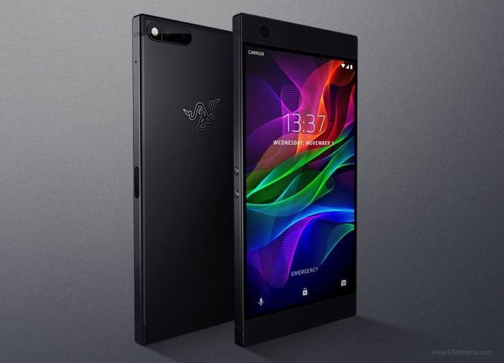 ریزر از Razer Phone با 8 گیگابایت رم، باتری 4,000 میلی آمپری و صفحه نمایش 120Hz رونمایی کرد