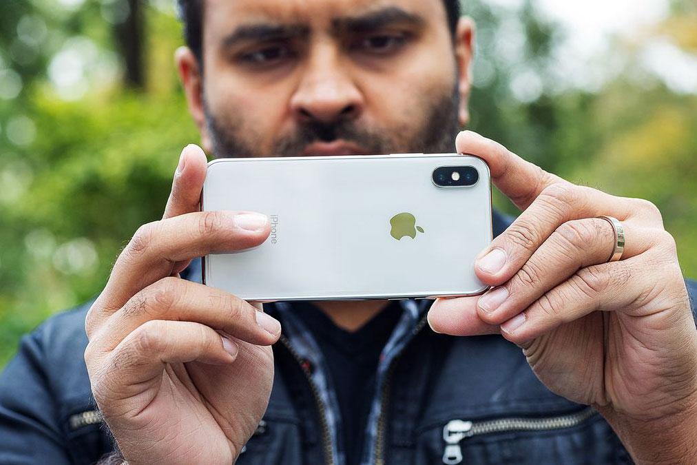 در آپدیت iOS 11.2.1 مشکل فوکوس خودکار در آیفون ۱۰ ، ۸ و ۸ پلاس برطرف خواهد شد