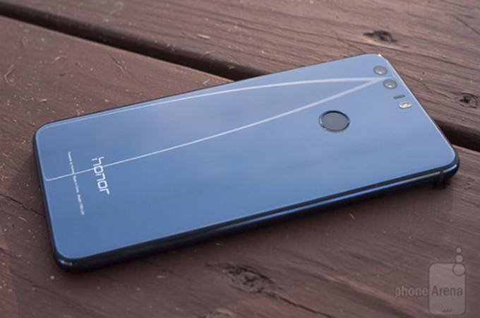 آنر بد قول شد؛ آنر ۸ اندروید ۸ (Android 8.0 Oreo) را دریافت نخواهد کرد!