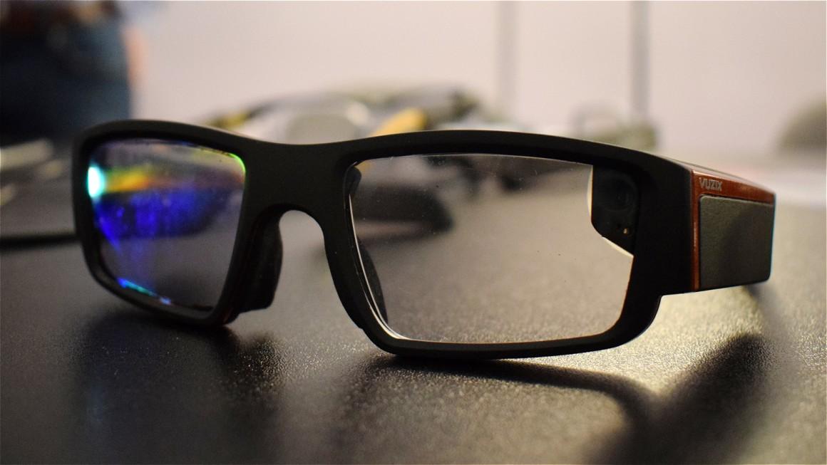 نگاهی به عینک Blad AR از شرکت Vuzix
