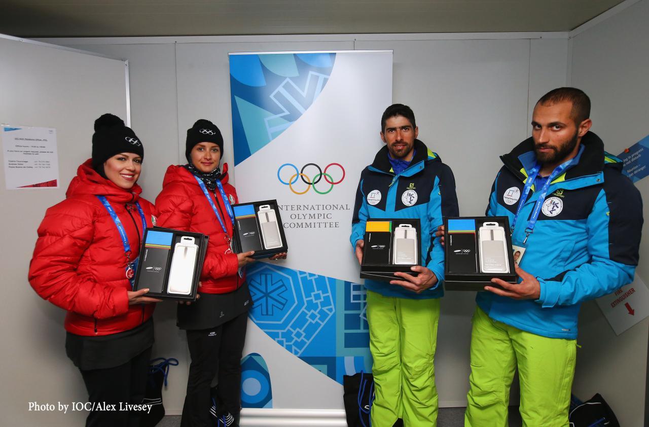 با عذرخواهی رسمی کمیته بینالمللی المپیک هدیه سامسونگ به ورزشکاران ایرانی تقدیم شد