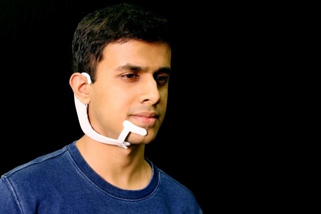 این گجت پوشیدنی دانشگاه MIT صدای درون سر شما را می شنود